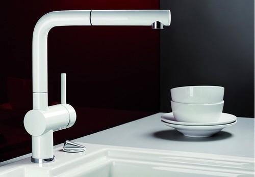 BLANCO LINUS-S – Kjøkkenarmatur i Hvit farge med uttrekstut