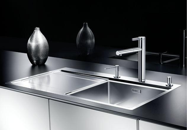 BLANCO LINEE-S – Kjøkkenkran i massiv stål med uttrekkstut